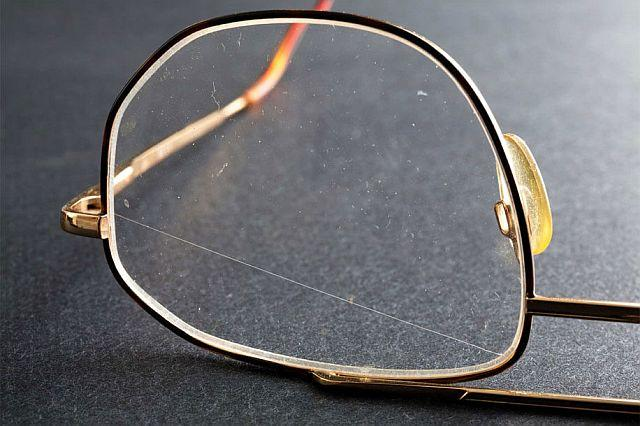 подряпини на окулярах