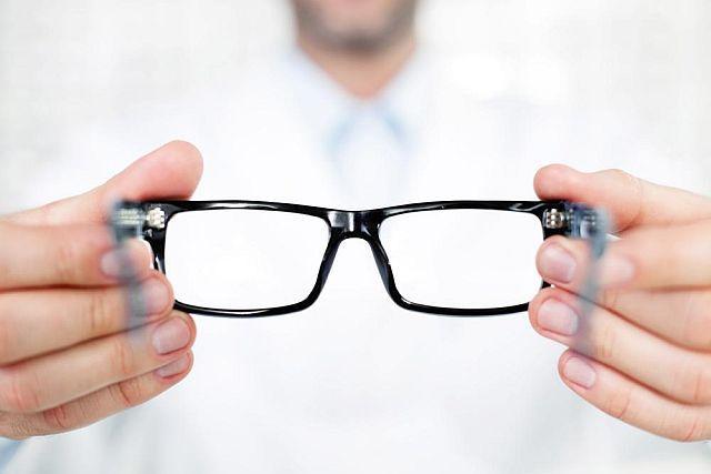 Що таке астигматичні окуляри