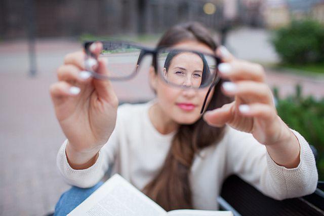 Сильні окуляри для зору