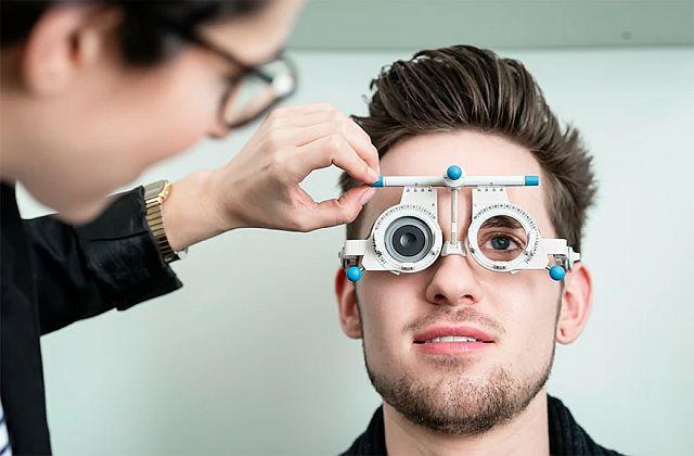 Чи допомагають окуляри при астигматизмі