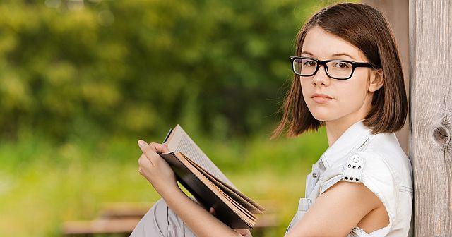 погіршується, падає зір у підлітків