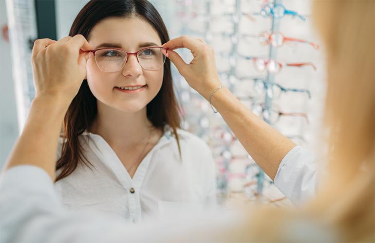 окуляри з різними діоптріями